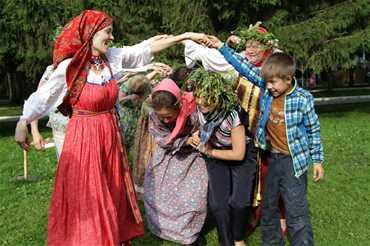 Фольклорный фестиваль и ярмарка ремёсел «Малахитовая шкатулка»