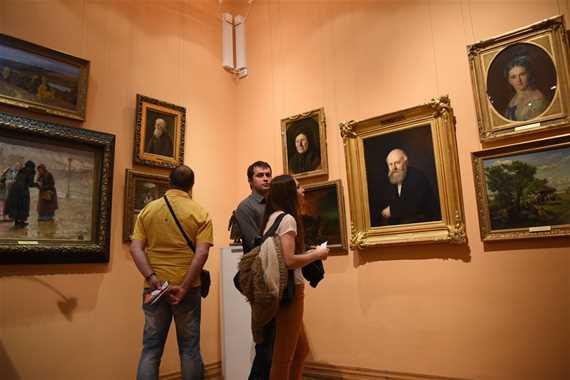 Выставка  «Два века русского пейзажа в собрании Астраханской картинной галереи»