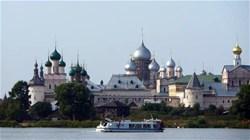 Парад провинциальной флотилии на озере Неро (с катанием на катерах, экскурсией по городу и посещением Ростовского Кремля)
